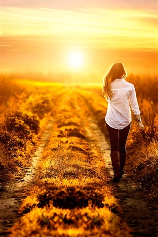 iPhone Wallpaper Girl walk at the field path, summer, sunset