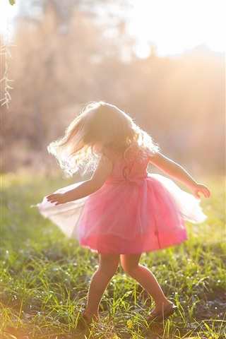 iPhone Wallpaper Joy girl, child, pink skirt, summer, sunshine