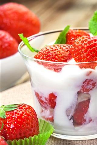 iPhone Wallpaper Strawberry, cream, dessert, fresh fruit