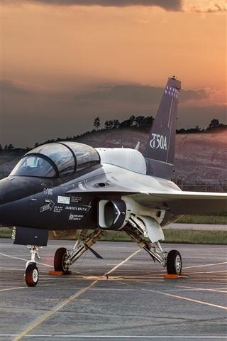 iPhone Wallpaper T-50A plane at airport, dawn, Lockheed Martin