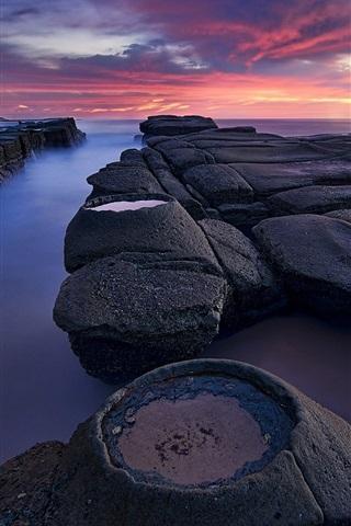 iPhone Обои Австралия, Новый Южный Уэльс, маяк, утро, камни, море, облака