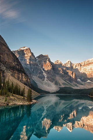 iPhone Wallpaper Canada, Alberta, Moraine Lake, Banff National Park, mountains, forest, reflection