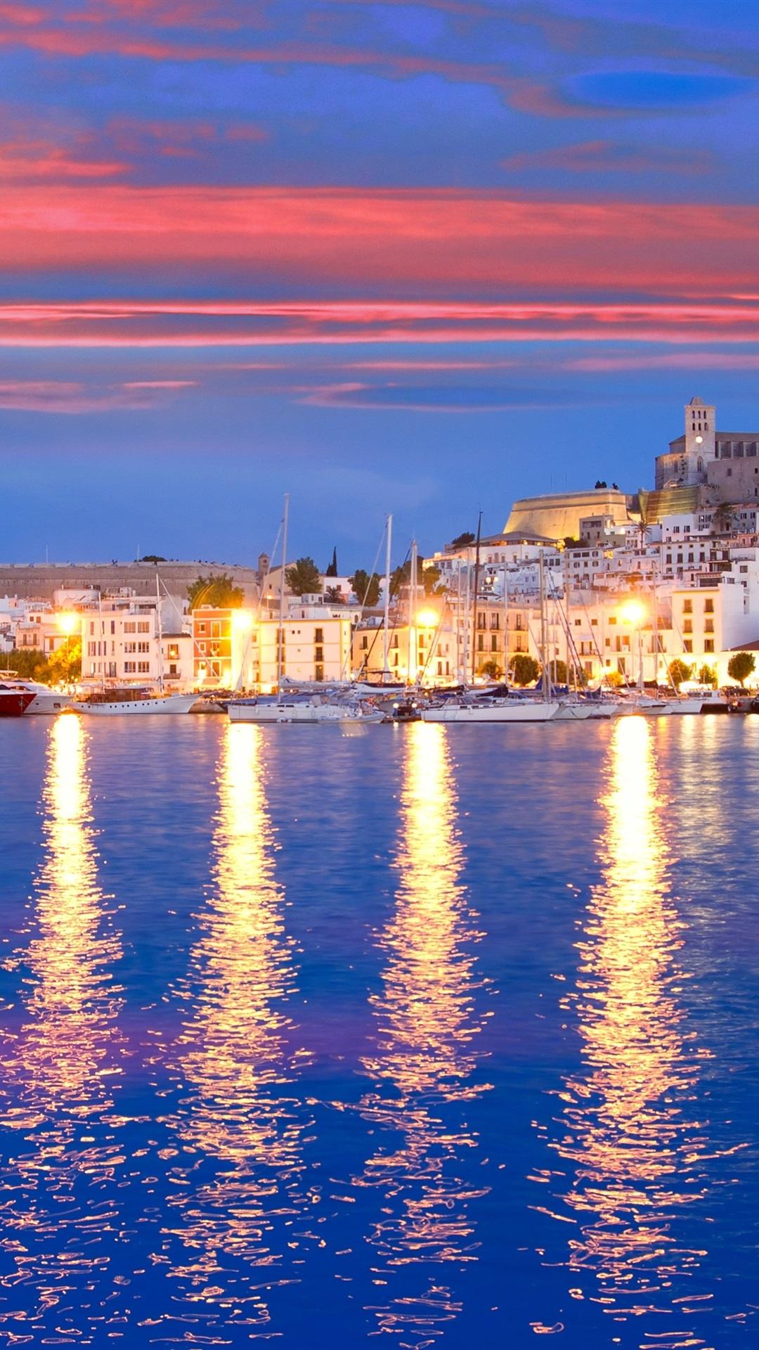 Eivissa スペイン 桟橋 ヨット 湾 海 住宅 ライト 夜 1080x19 Iphone 8 7 6 6s Plus 壁紙 背景 画像