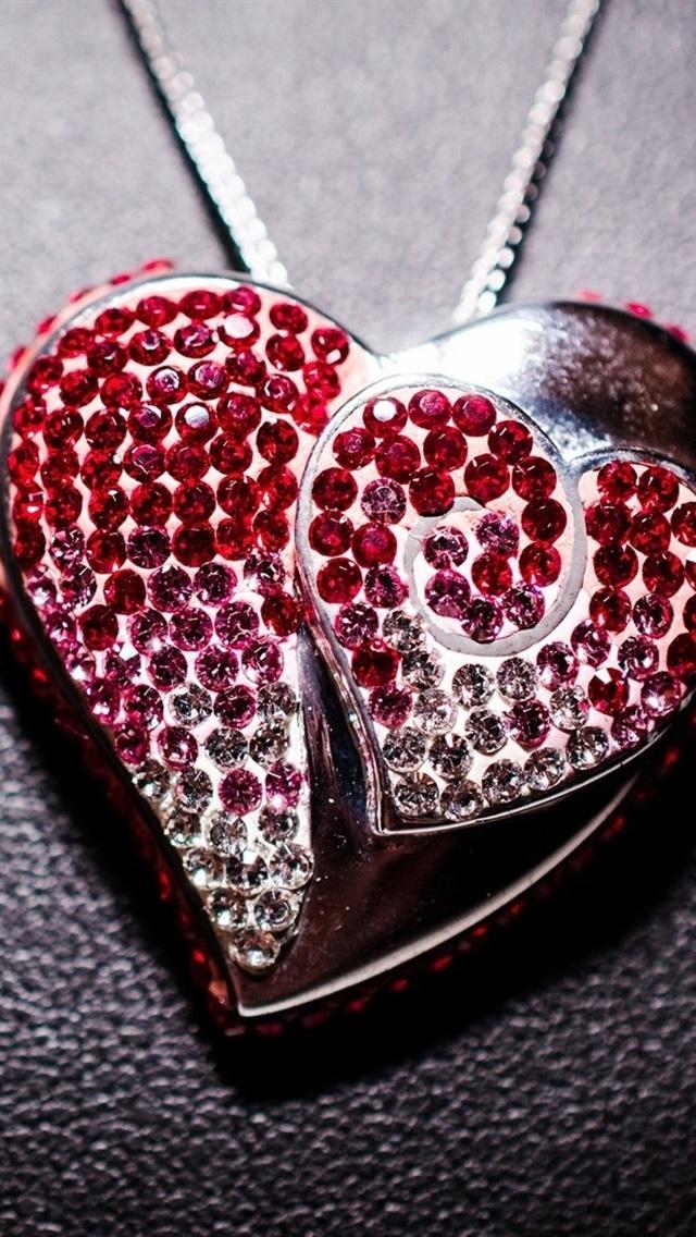 Love Heart Pendant Jewelry Decoration 640x1136 Iphone 5 5s