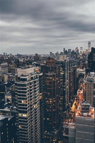 iPhone Wallpaper Manhattan, New York, USA, street, skyscraper, dusk, clouds