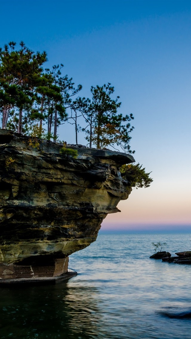Small Islands Trees Rocks Lake 640x1136 Iphone 5 5s 5c Se