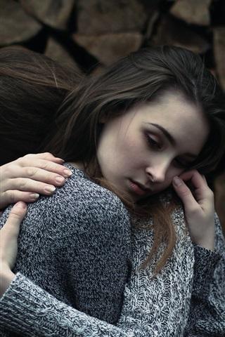 iPhone Wallpaper Two girls hugs