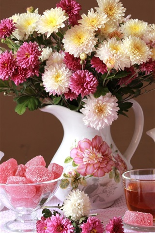 iPhone Wallpaper Chrysanthemum, bouquet, vase, candy, tea, clock
