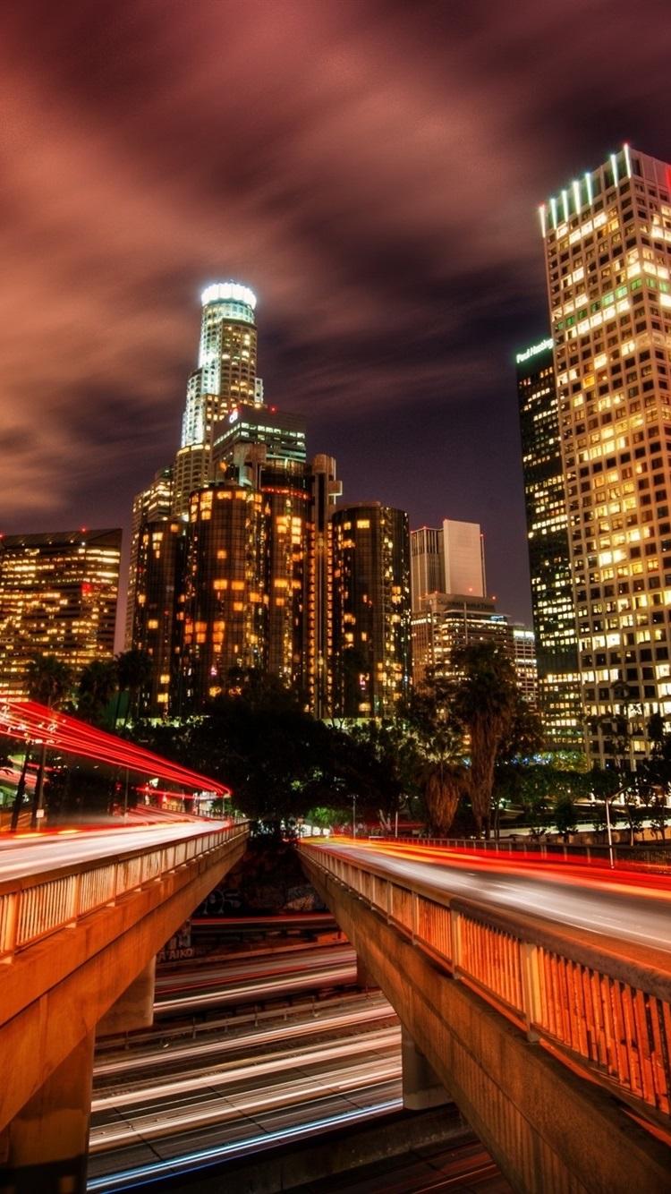 ロサンゼルス 交通 道路 光線 高層ビル イルミネーション 夜