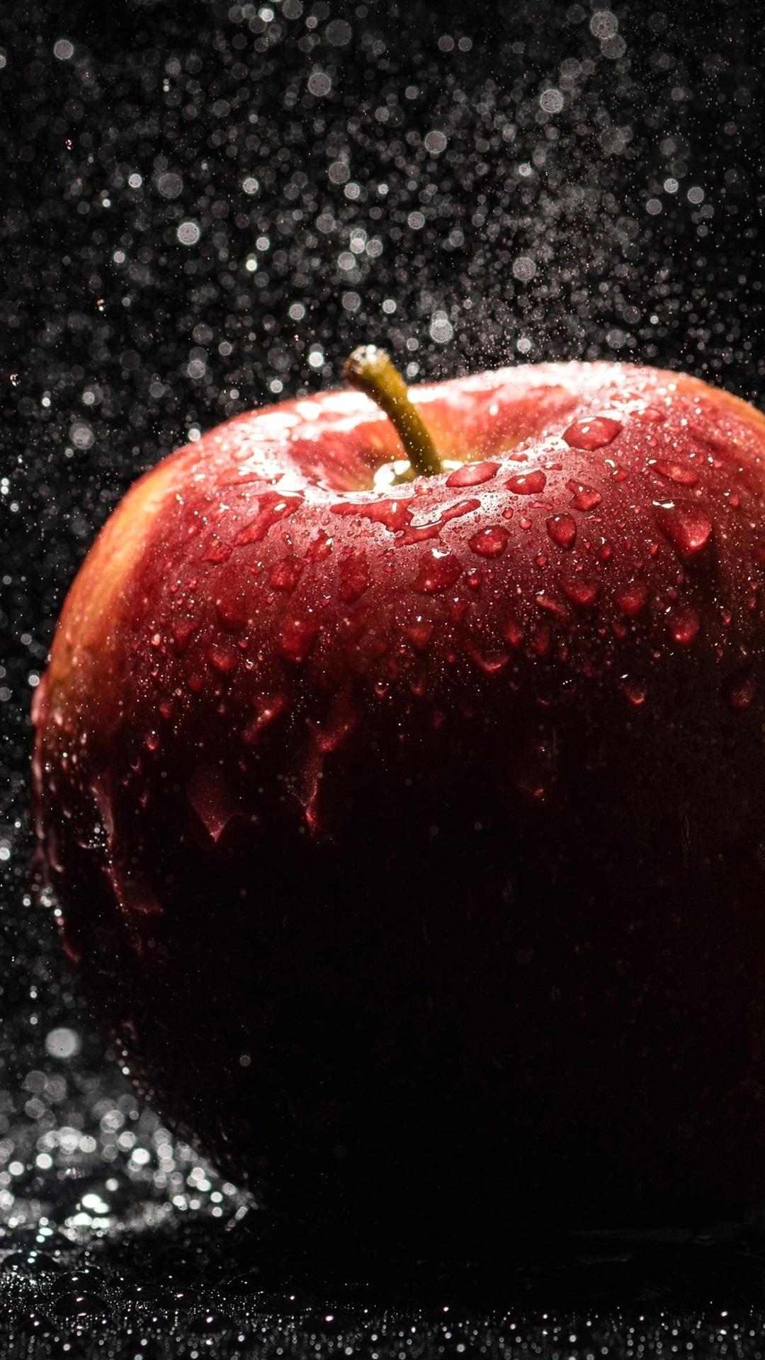 Wallpaper Red Apple Rain Water Drops 3840x2160 Uhd 4k