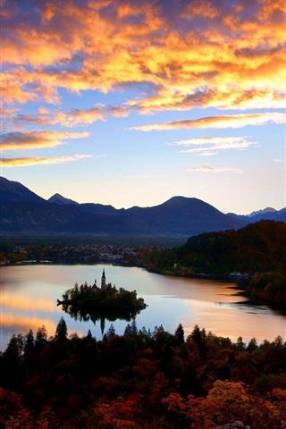 iPhone Wallpaper Croatia, lake, island, church, castle, dawn, clouds, sunrise