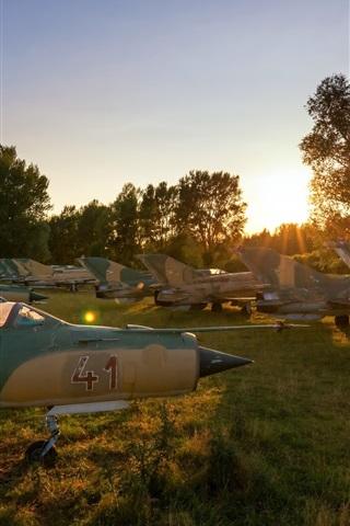 iPhone Wallpaper MiG-21 aircraft, airport, sunshine