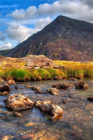iPhone Papéis de Parede Montanha, rio, pedras, grama, nuvens, crepúsculo