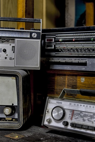 iPhone Wallpaper Radio, recorder, old appliances