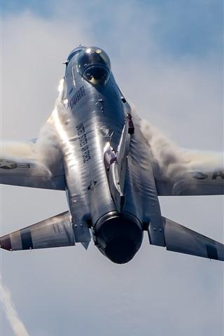 iPhone Wallpaper Thunderbird fighter flying up