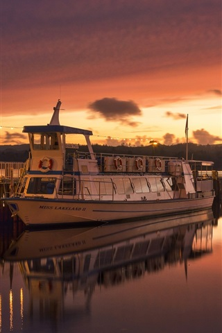 iPhone Wallpaper Ambleside, England, river, ship, sunset