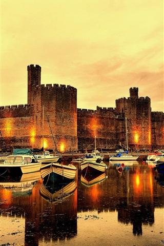 iPhone Wallpaper Caernarfon Castle, fortress, river, boats, North Wales, UK