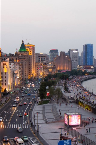 iPhone Wallpaper China, Shanghai, skyscrapers, street, sea, people, dusk, lights