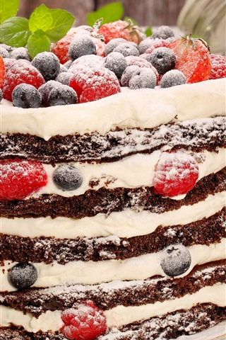 iPhone Wallpaper Chocolate and cream cake, powdered sugar, blueberry, strawberry