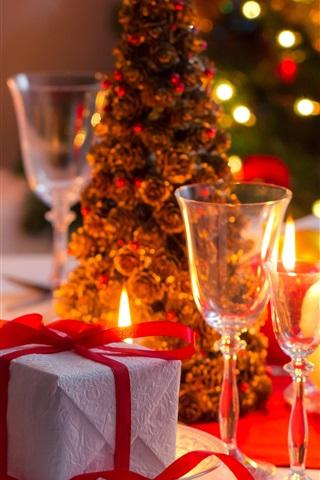 iPhone Papéis de Parede Presente, velas, copos de vidro, árvore de natal, vinho, luzes