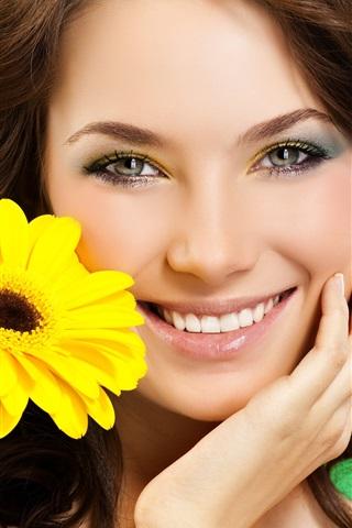 iPhone Wallpaper Smile girl, yellow flower