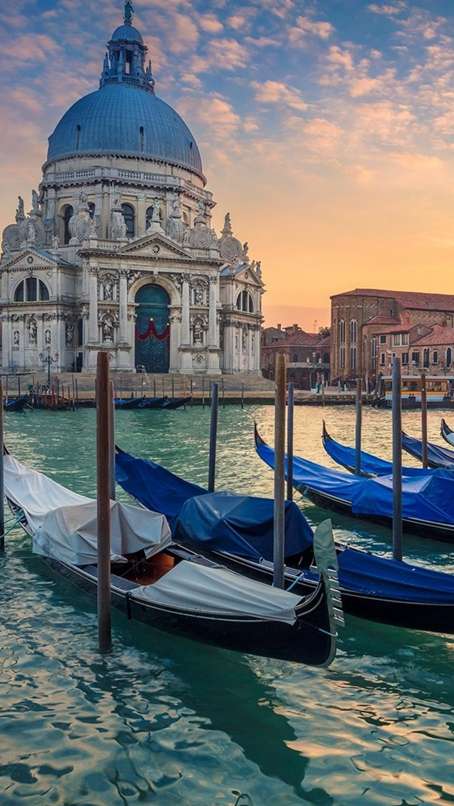 Venice Grand Canal Boats Cathedral Italy 640x1136 Iphone
