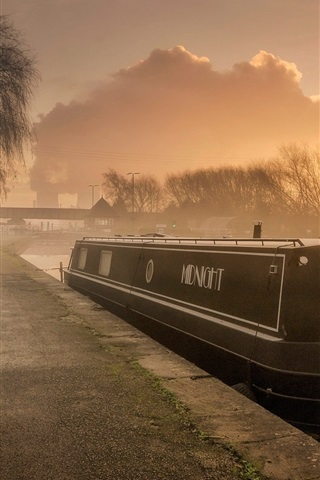 England River Boat Morning Fog 640x1136 Iphone 55s5c