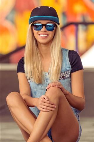 iPhone Wallpaper Smile blonde girl, sunglasses, skateboard