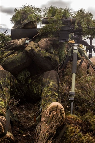 iPhone Wallpaper Sniper, soldier, disguises, rifle, bushes