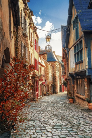 iPhone Wallpaper Brittany, Dinan, France, city, houses, street