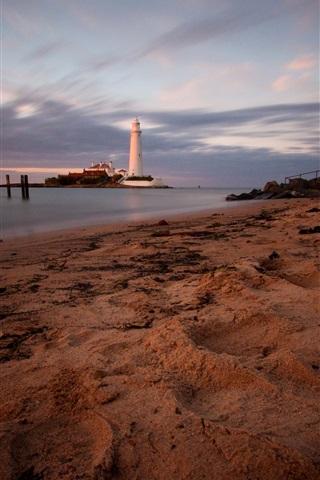 iPhone Wallpaper England, St. Mary's Lighthouse, coast, beach, sea, dusk