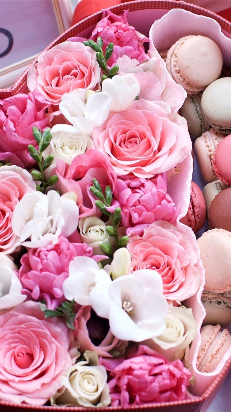 愛のハート形の箱 マカロン ピンクのバラ 750x1334 Iphone 8 7 6 6s
