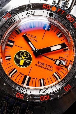 iPhone Wallpaper Doxa SUB 300 watch