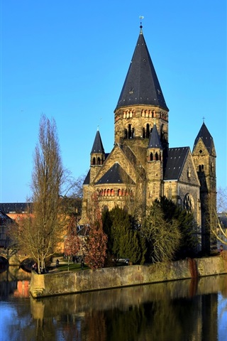 iPhone Wallpaper France, Metz, cathedral, city, river, bridge