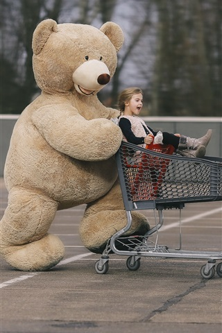 iPhone Wallpaper Teddy bear and little girl, stroller