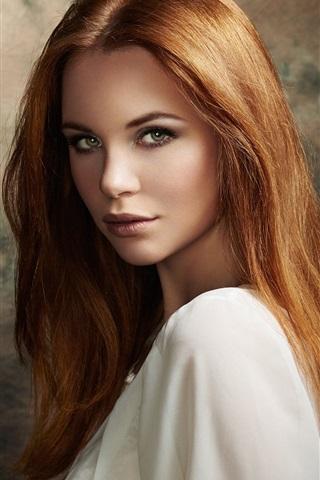 iPhone Wallpaper Brown hair girl, look, portrait