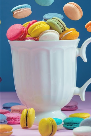 iPhone Wallpaper Colorful macaroon, cake, white cup
