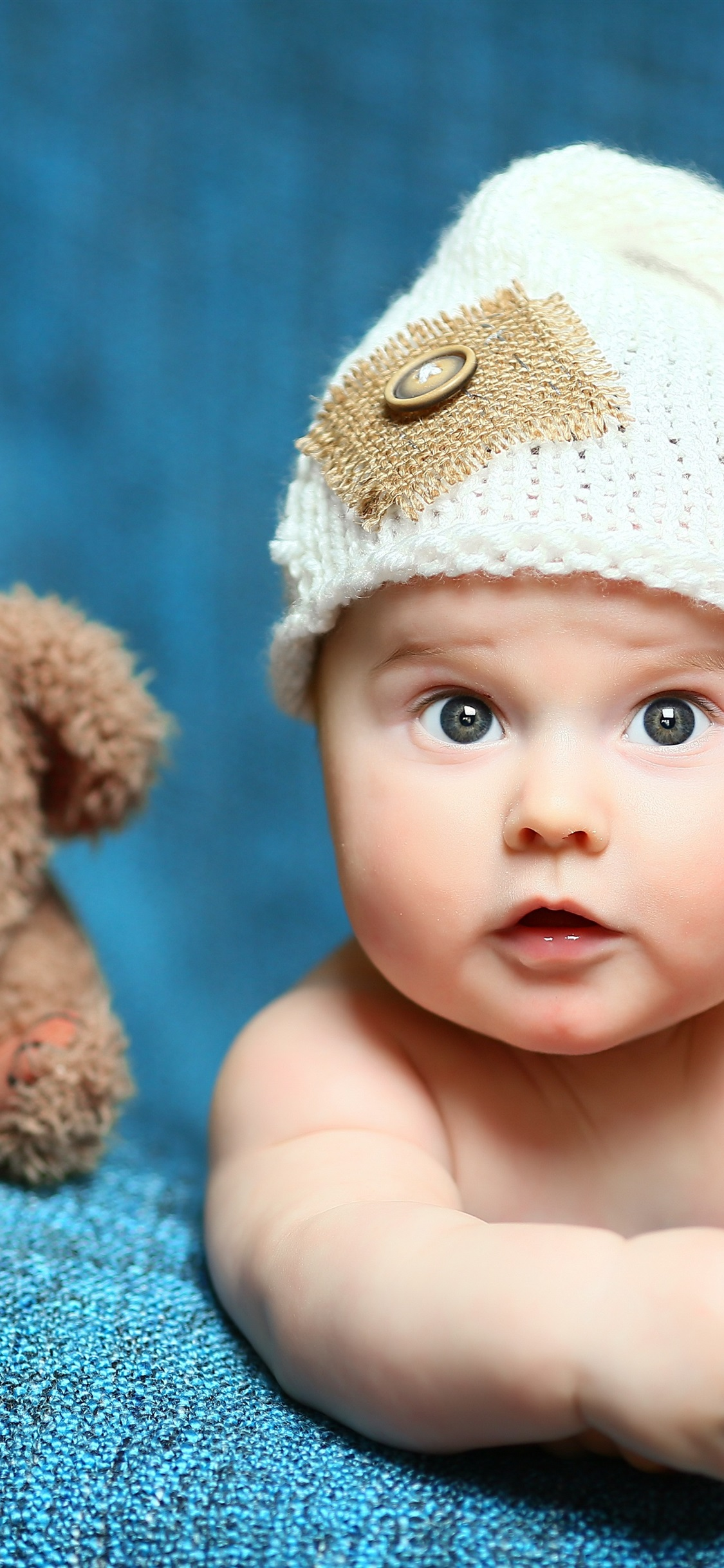 Cute Baby And Toy Bear 1125x2436 Iphone 11 Pro Xs X Wallpaper Background Picture Image