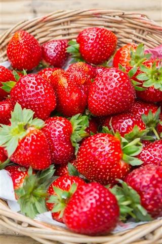 iPhone Wallpaper Fresh strawberry, fruit, basket