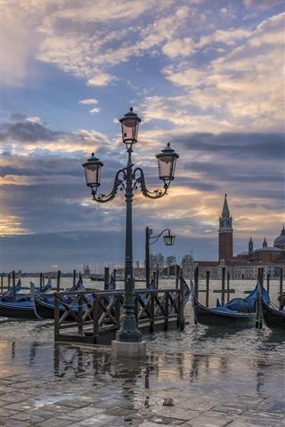 iPhone Wallpaper Italy, Venice, gondola boats, lantern, river, dusk