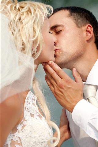 iPhone Wallpaper Love kiss, wedding, bride, man