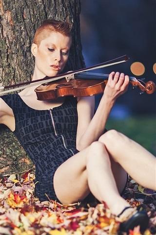 iPhone Wallpaper Short hair girl play violin, under tree