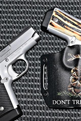 iPhone Wallpaper Three guns, weapon