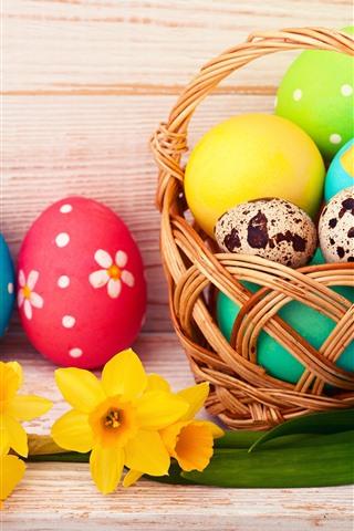 iPhone Papéis de Parede Ovos de Páscoa coloridos, flores amarelas, cesta