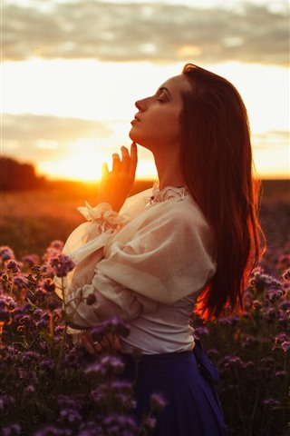 iPhone Wallpaper Girl side view, sunset, flowers
