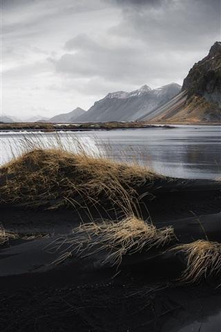iPhone Wallpaper Iceland, sea, mountains, beach, grass, clouds