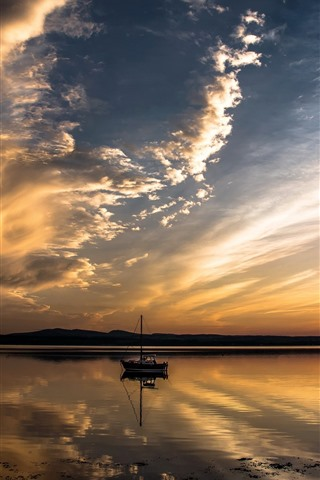 iPhone Papéis de Parede Rio, pôr do sol, nuvens, barcos
