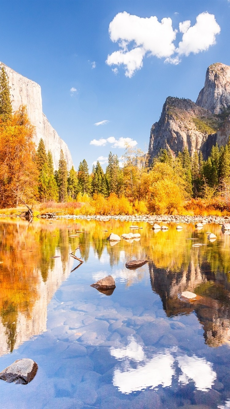 Yosemite National Park Beautiful Autumn Mountains Lake