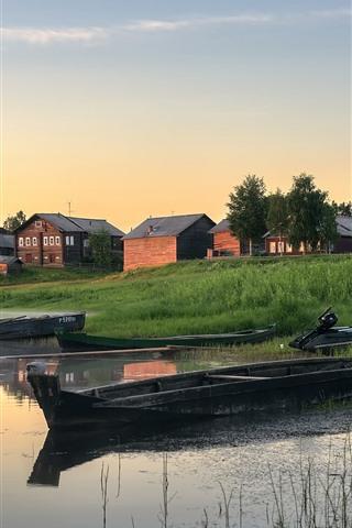 iPhone Wallpaper Arkhangelsk oblast, boats, village, river, morning, Russia