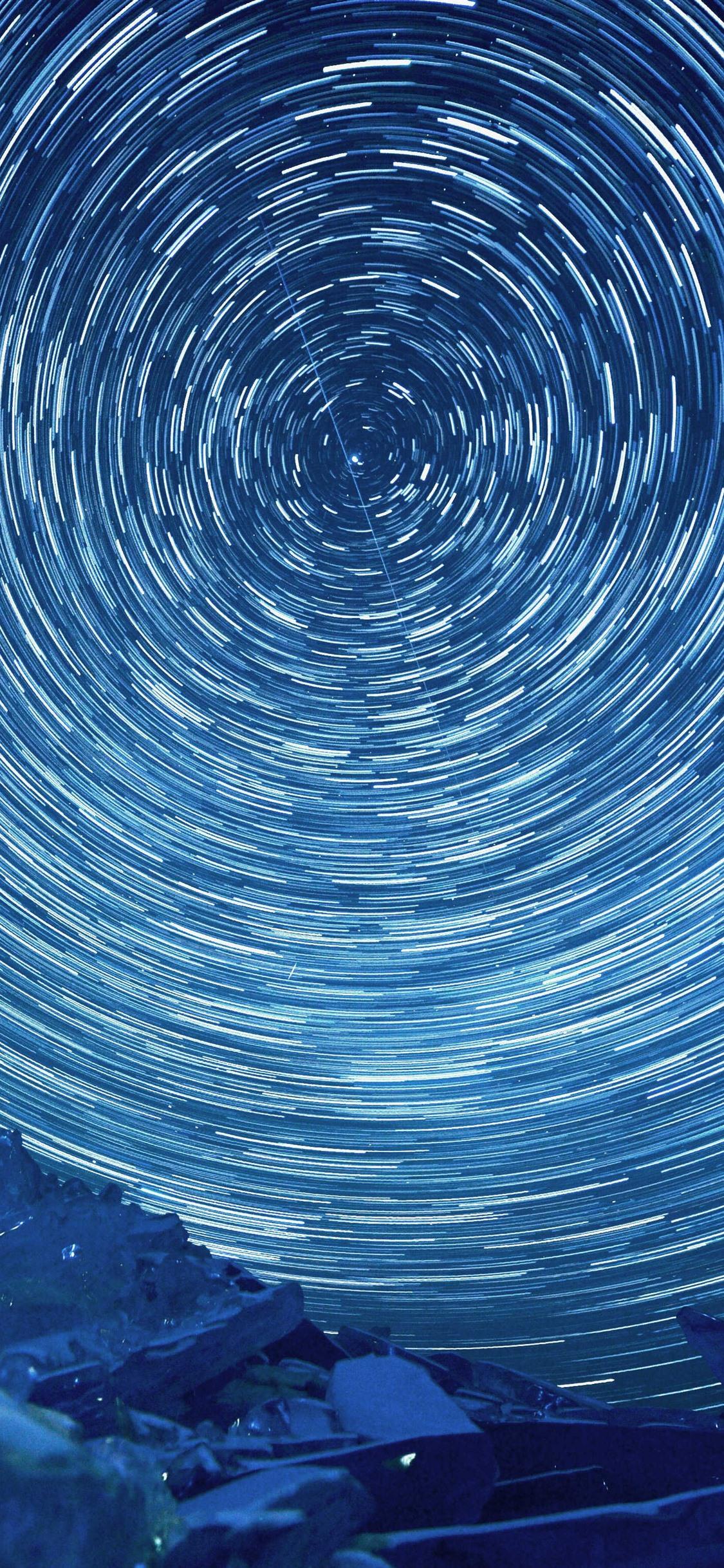 美丽的星轨 夜 冰岛1125x2436 Iphone 11 Pro Xs X 壁纸 图片 背景